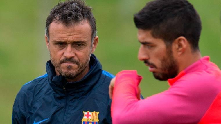 Luis Suárez y Luis Enrique, durante un entrenamiento del Barça