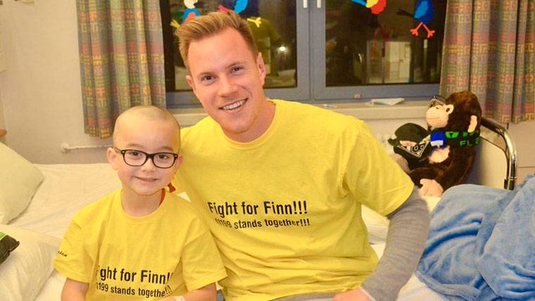 El bello acto de solidaridad de Ter Stegen con el pequeño Finn