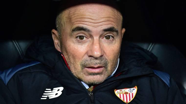 El Sevilla ya trabaja para alejar a Sampaoli del Barça