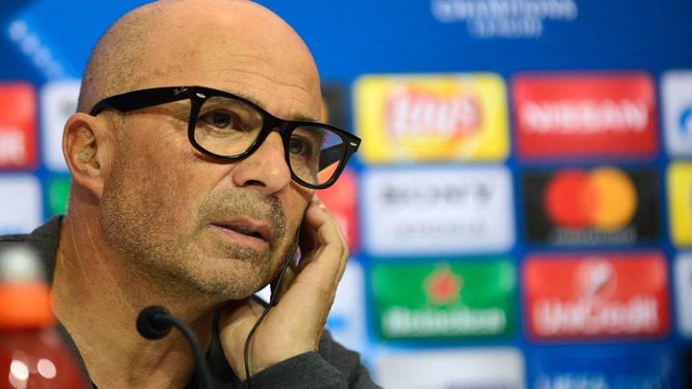 Imprecisa respuesta de Sampaoli a los rumores sobre el Barça