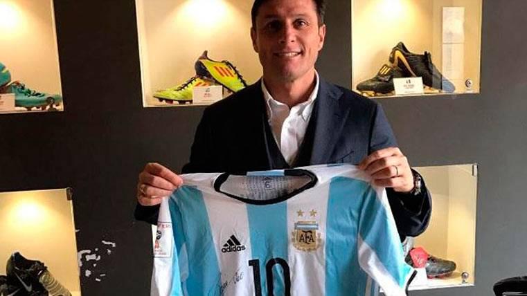 El gesto solidario de Messi que emocionó a Javier Zanetti