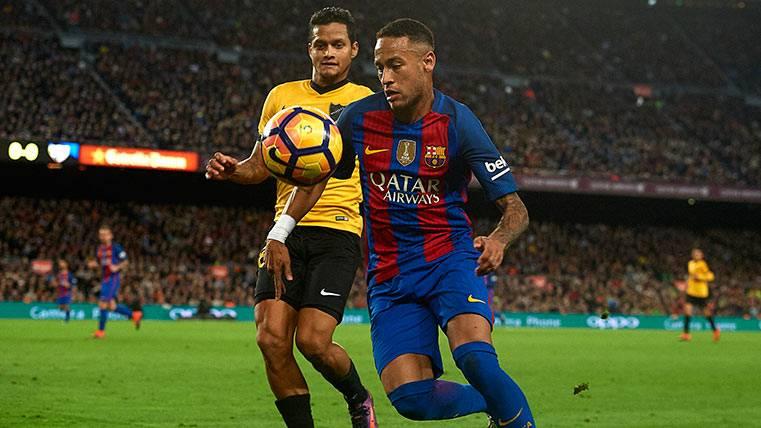 La loca operación que podría reforzar al Barça con un lateral