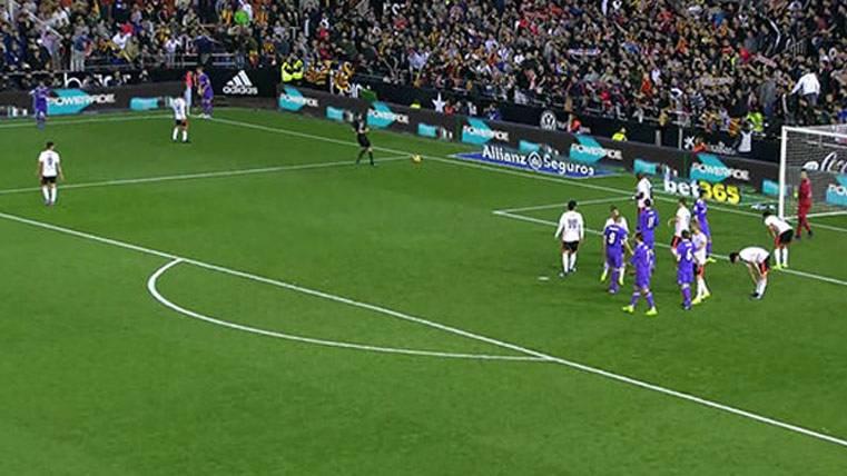Así ayudó el árbitro a que el Madrid sacara el último córner
