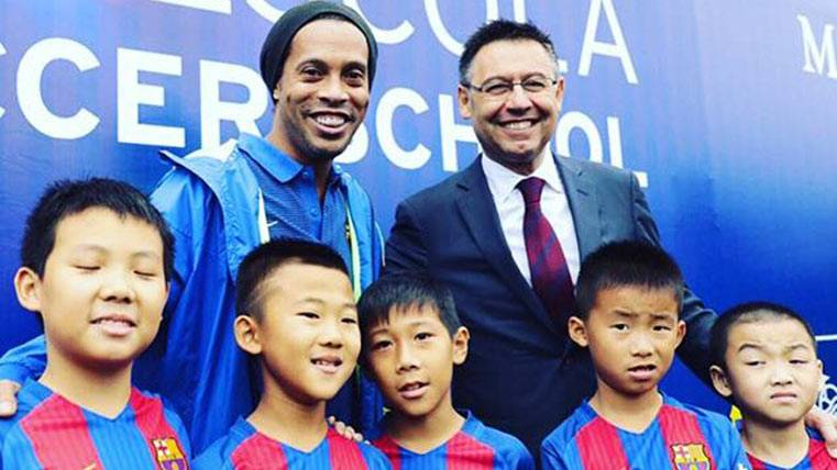 "El embajador Ronaldinho ""conquista"" China para el Barça"