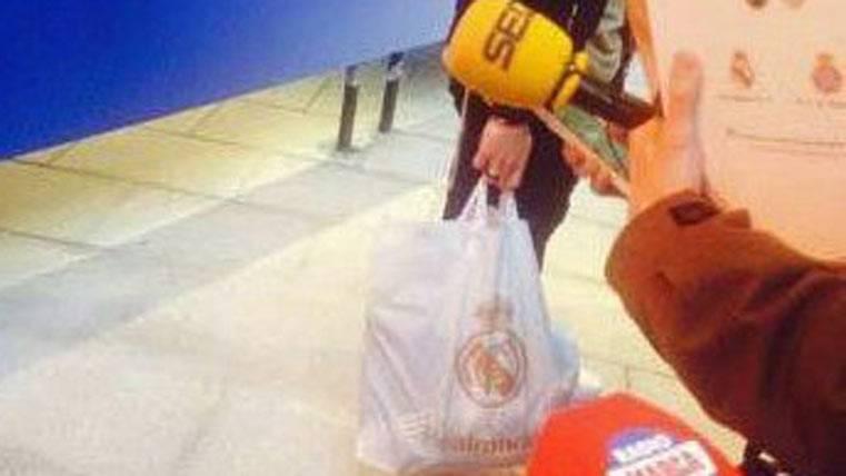 El contenido de las bolsas del Real Madrid a los árbitros