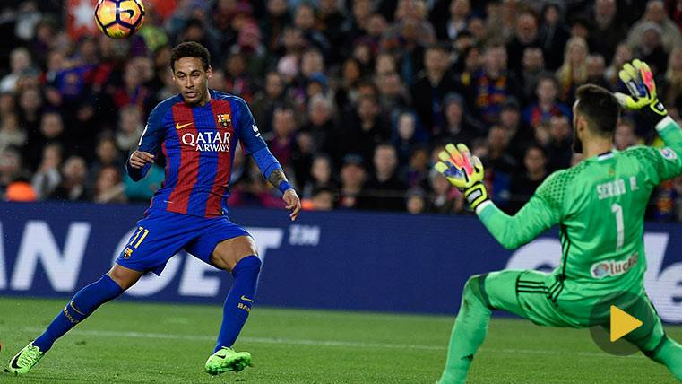 Ronaldinho y Neymar, la samba brasileña del Camp Nou