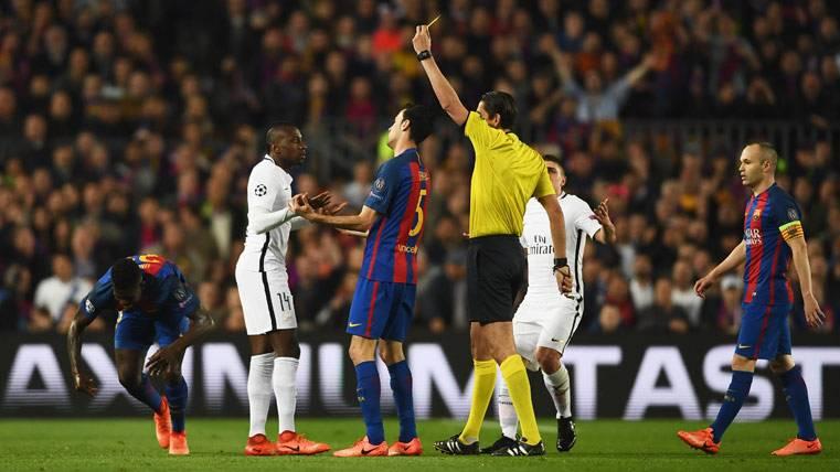 Se pidieron cuatro penaltis en el tramo inicial del Barça-PSG