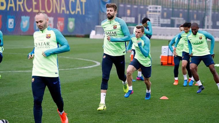 El Barça se entrena con las dudas de Neymar Júnior y Rafinha