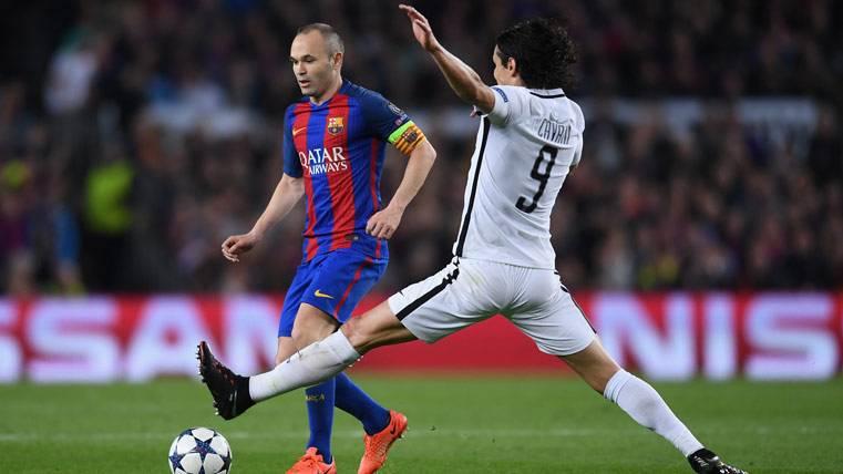Iniesta quiere retirarse en el Barça, pero aún no renovará