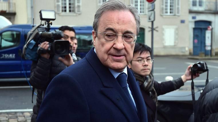 Indignación latente de Florentino tras la gesta del Barça-PSG