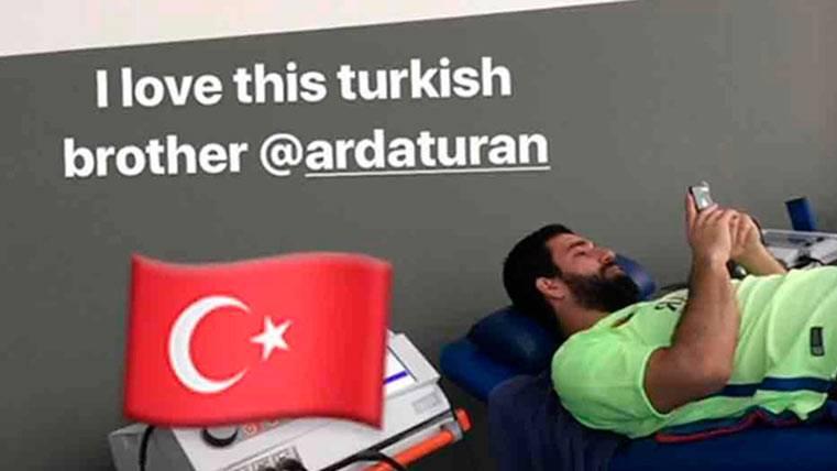 ¿Vuelven los problemas musculares para Arda Turan?