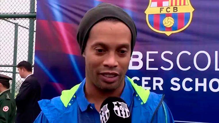 Ronaldinho propone a Neymar como futuro Balón de Oro