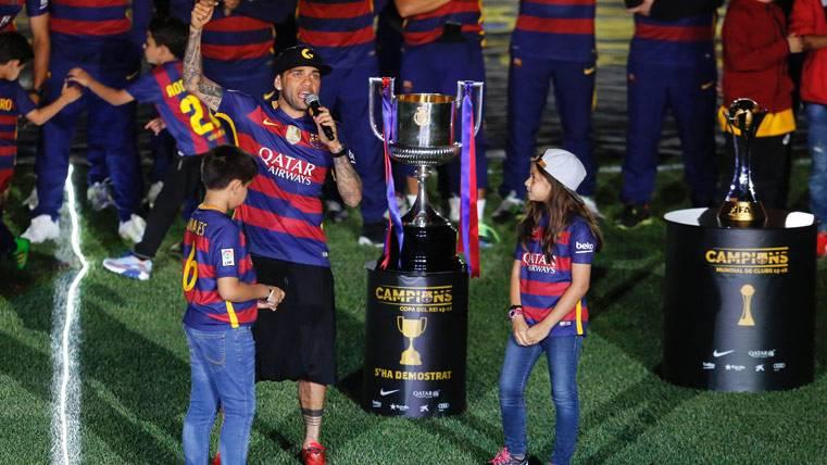 La sentimental carta de adiós de Dani Alves del Barça