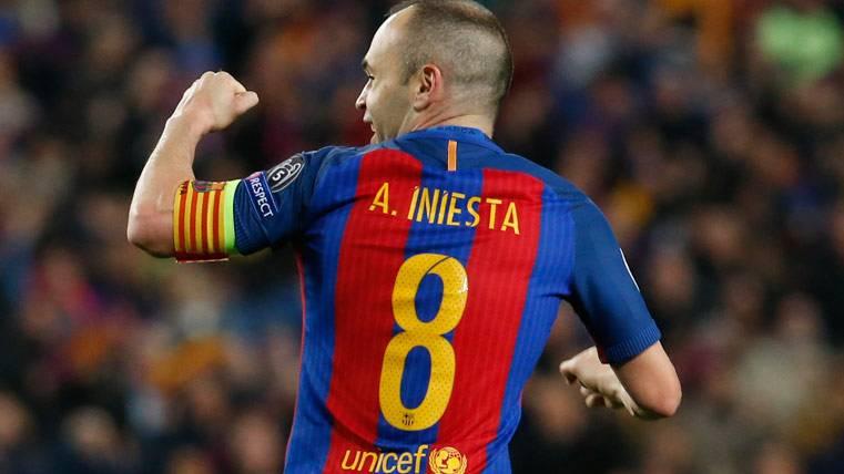 Andrés Iniesta, celebrando el gol que fabricó contra el Paris Saint-Germain