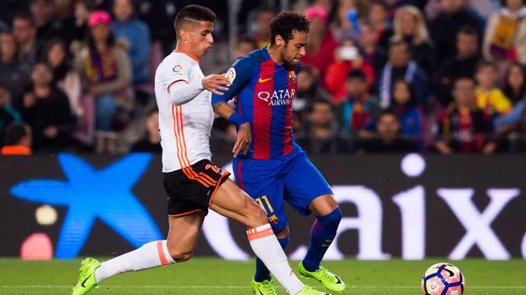 Cancelo, de interesar al Barça a problema para el Valencia