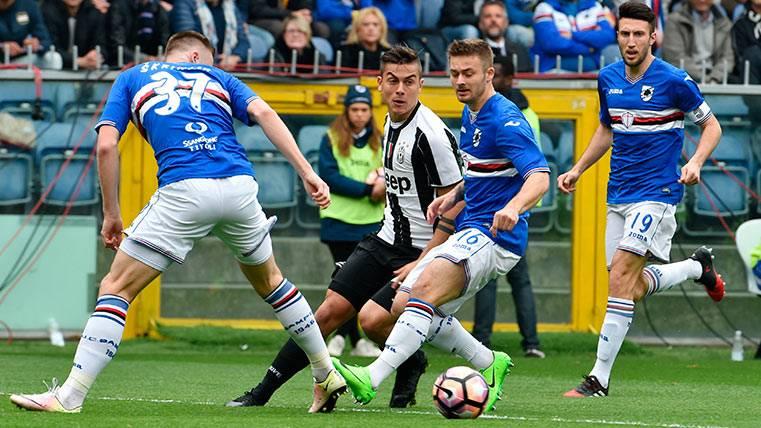 Paulo Dybala, instantes antes de lesionarse en el Sampdoria-Juventus