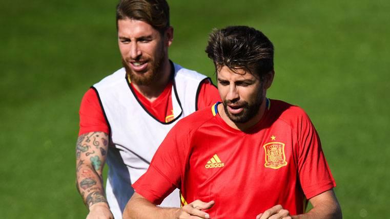 """Ramos: """"A Piqué y a mí nos gusta tirarnos alguna piedrecita"""""""