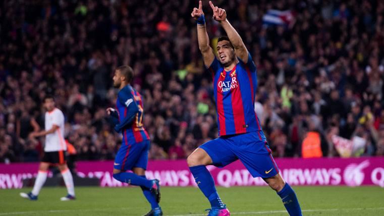 Luis Suárez, dedicando el gol marcado contra el Valencia a su hija Delfina