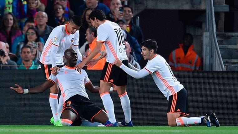Eliaquim Mangala, celebrando el gol marcado al FC Barcelona
