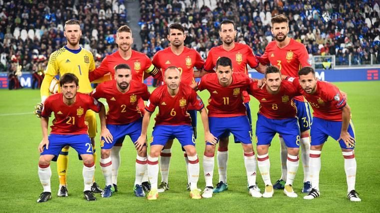 Once de la selección española durante el último partido de parón