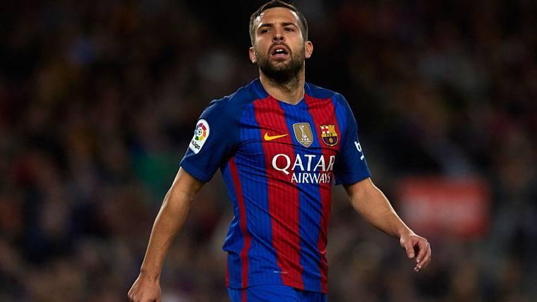 Jordi Alba reconoce que le falta confianza en el Barça
