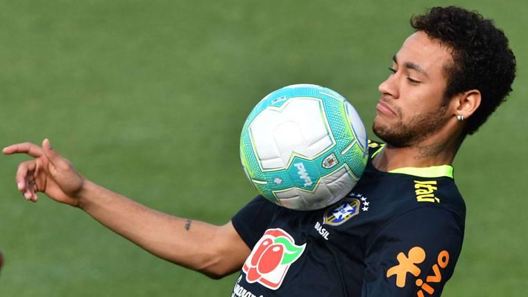 Neymar, decidido a superar un reto personal contra Uruguay