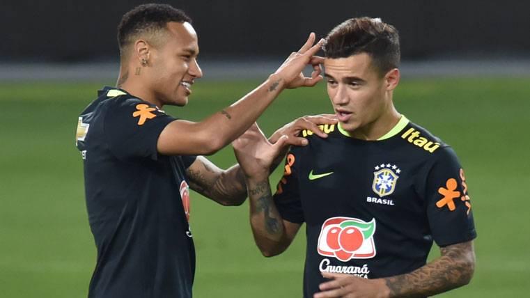 Neymar tiene una semana más para convencer a Coutinho