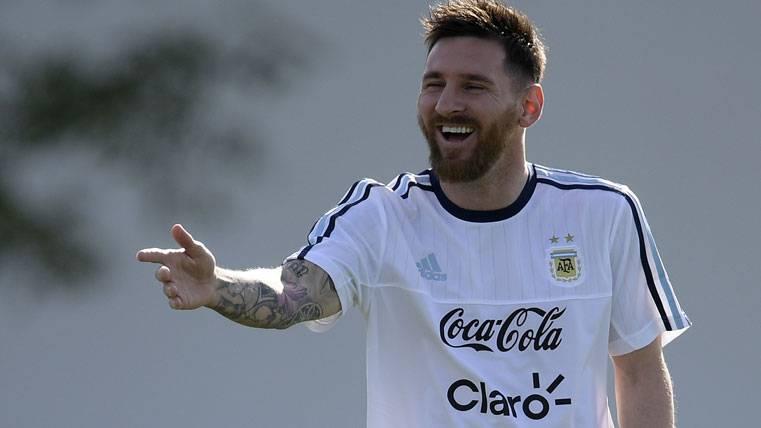 Messi quiere sanar heridas deslumbrando contra Chile