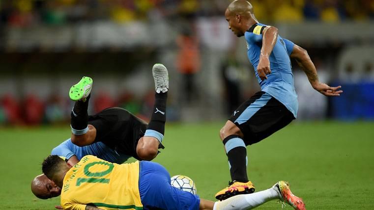 """Advertencia a Neymar: """"Haremos marcaje duro, a la uruguaya"""""""
