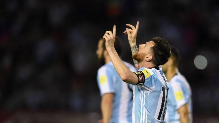 ¡Messi salva a Argentina y la mete en la lucha por el Mundial!