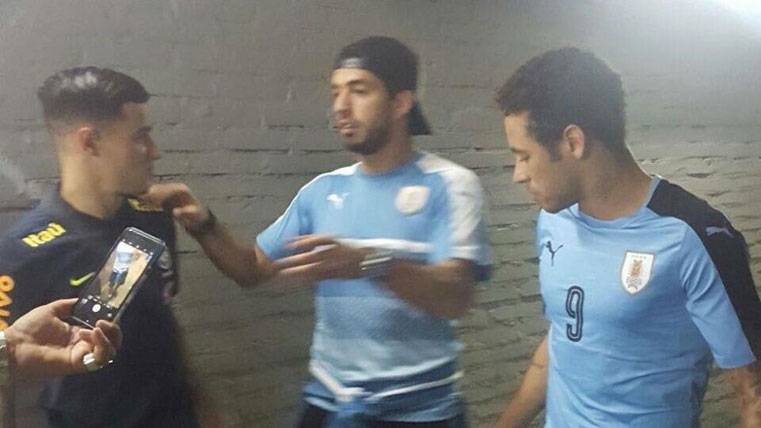 Neymar, Suárez y Coutinho, juntos tras el Uruguay-Brasil