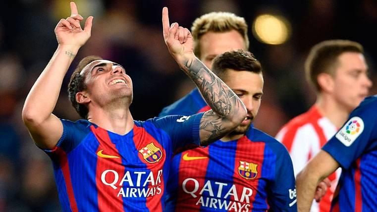 "Dybala puede ""echar"" a Paco Alcácer del FC Barcelona"