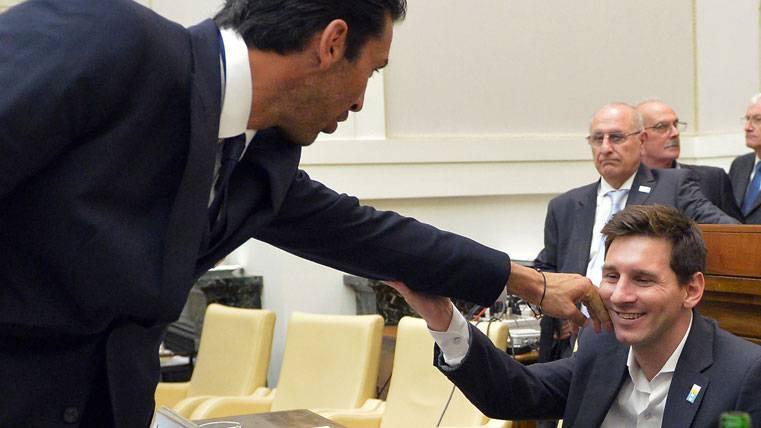 """Buffon desea que Messi no sea """"extraterrestre"""" ante la Juventus"""