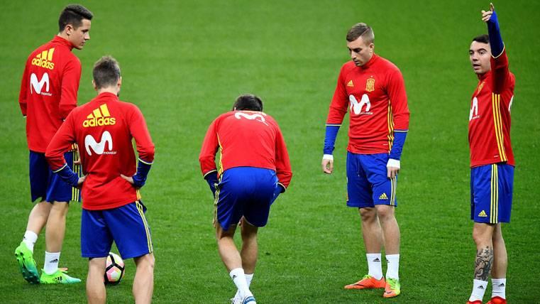ALARMA: Gerard Piqué da el susto en el entreno de España