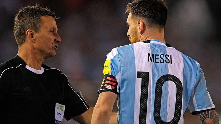 La surrealista petición de la AFA a Messi por su sanción