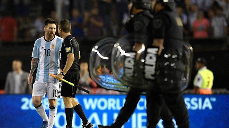 """Argentina recurrirá la sanción de un Messi """"triste y decepcionado"""""""