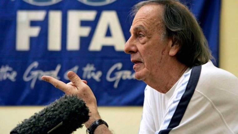 "Menotti estalla contra la FIFA por Messi: ""Es un disparate"""