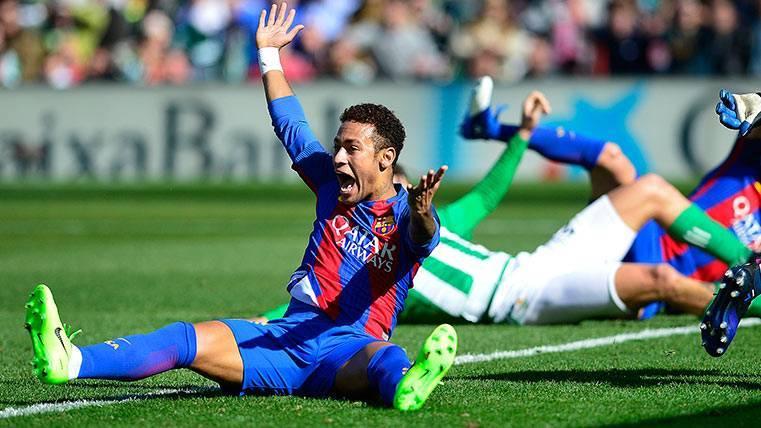 Neymar Júnior, objeto de penalti en el Real Betis-FC barcelona