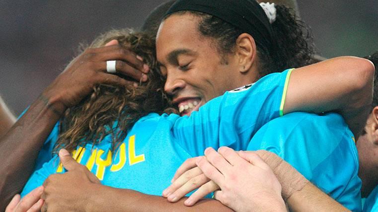 """""""Ronaldinho, de los mejores en la historia del Barça"""""""