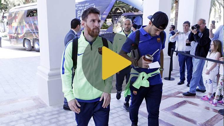El Barça llegó a Málaga con Busi apadrinando a Carbonell