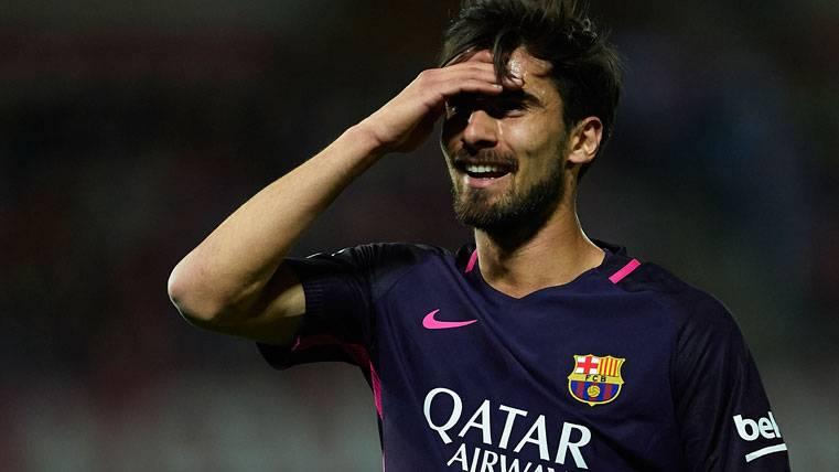 ¡Dos posibles penaltis no pitados a favor del Barça en Málaga!