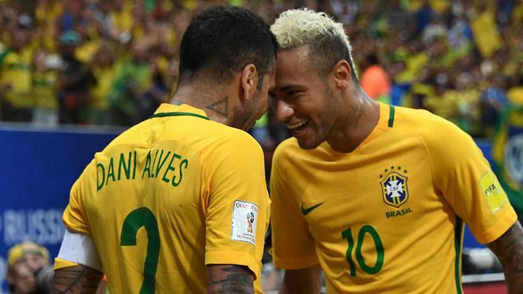 Neymar vs Alves: Dos amigos enfrentados en Champions