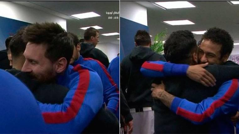 Así fue el reencuentro de Dani Alves con Neymar y Messi