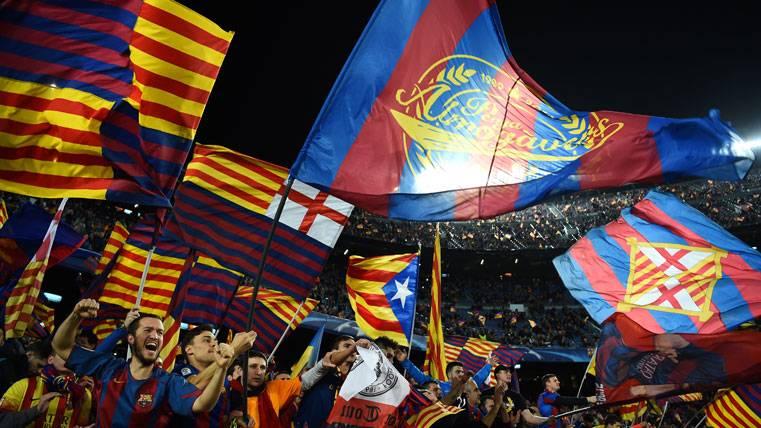 La afición del FC Barcelona, llenando el Camp Nou contra el PSG