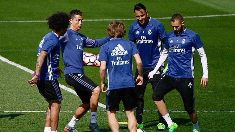 """Zidane """"blinda"""" a Cristiano Ronaldo, que no viaja a Gijón"""