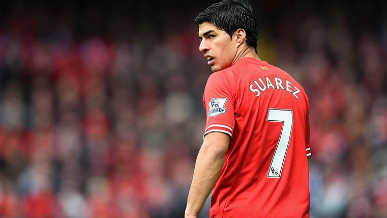 Emotivo homenaje de Suárez a la afición del Liverpool