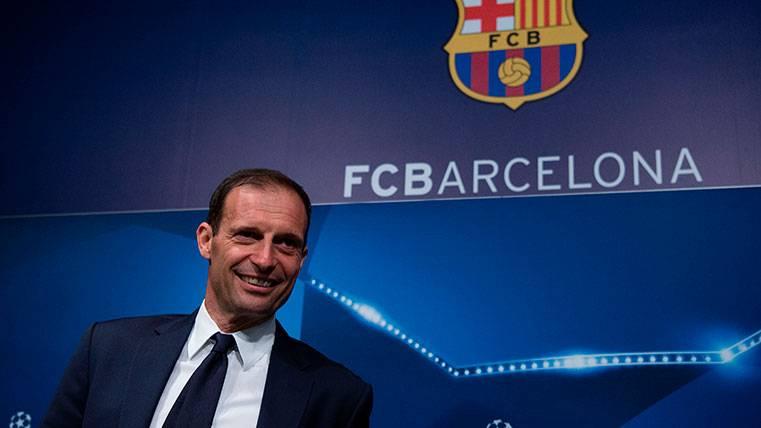 """El FC Barcelona """"toca"""" a Max Allegri tras la eliminación"""