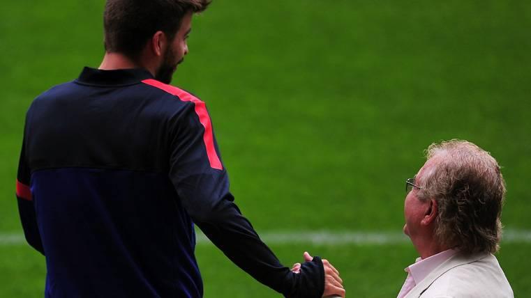 Sorpresa de los periodistas italianos con el abuelo de Piqué