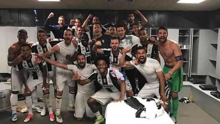 La Juventus celebró a lo grande la eliminación del Barça
