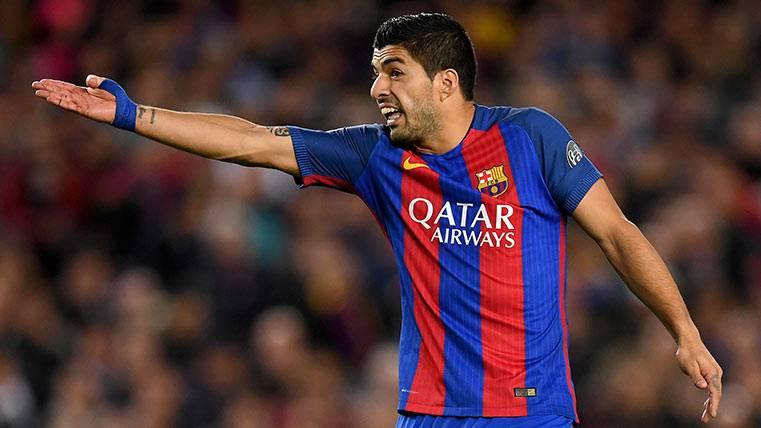Afirman que Luis Suárez insultó al árbitro del Barça-Juve